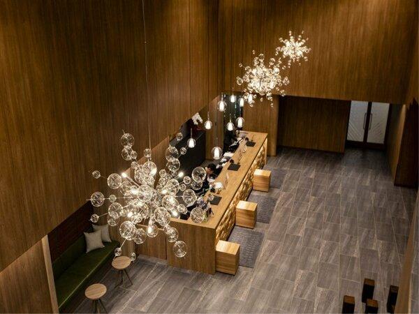 【施設】開放的で落ち着きのある雰囲気の館内