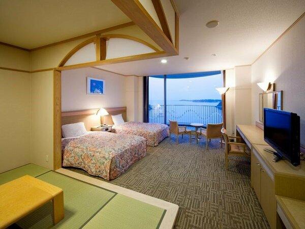 【海側】(禁煙)■和洋室(6畳+ツイン)50平米