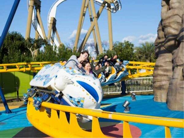 【志摩スペイン村イメージ】小さなお子様も楽しめる「キディモンセラー」はポップなジェットコースター!