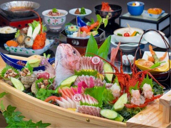 【ご夕食】伊勢海老や鯛の姿造りを含んだ舟盛をご夕食にどうぞ!