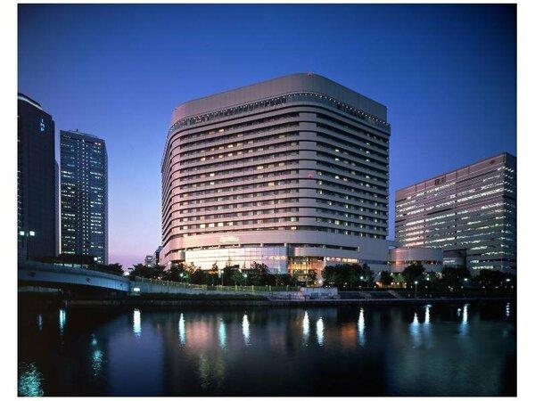 大阪城を目の前に臨む唯一のシティホテル。