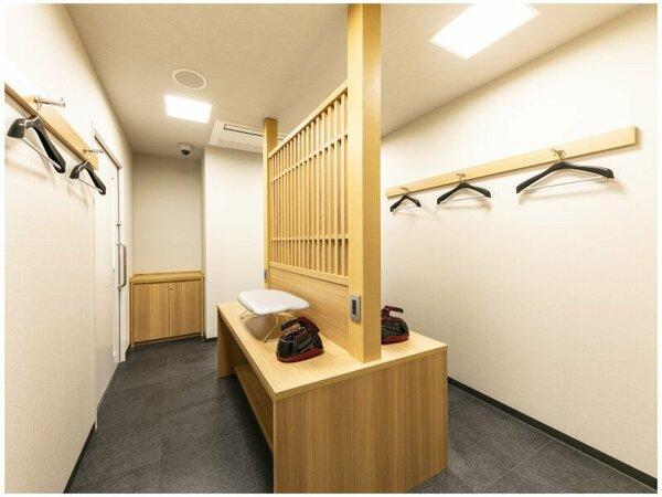 2階 アイロンルーム ※24時間無料でご自由にお使いいただけます。