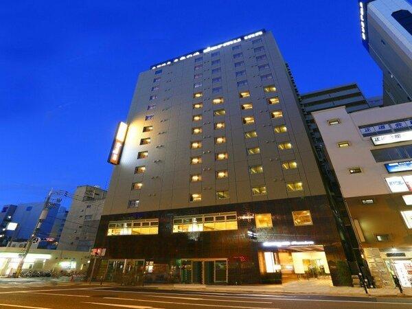 当館へタクシーでお越しの際は「堺筋にある大阪富士屋ホテルの真向かい」とドライバーにお伝え下さい。