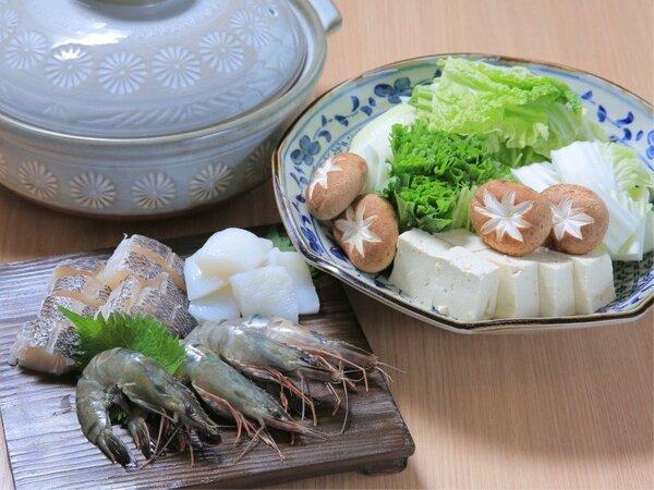 旬の魚介の柚香鍋
