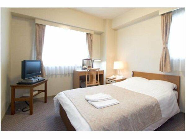 ★ダブル★ベッドは140cm幅です。快適なお部屋でお過ごし下さいませ。