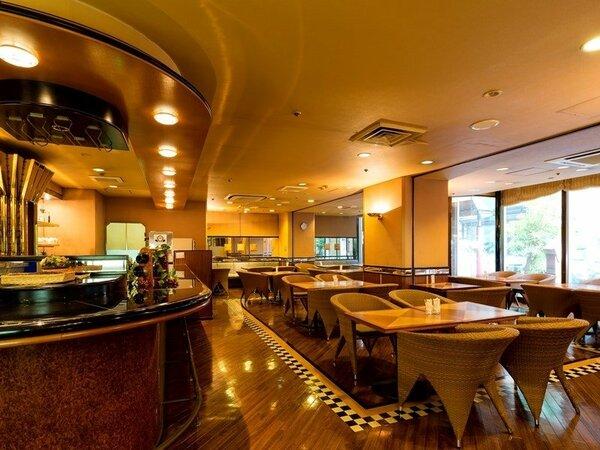 1階の喫茶グレースは、9時~18時まで営業。(17時半LO)