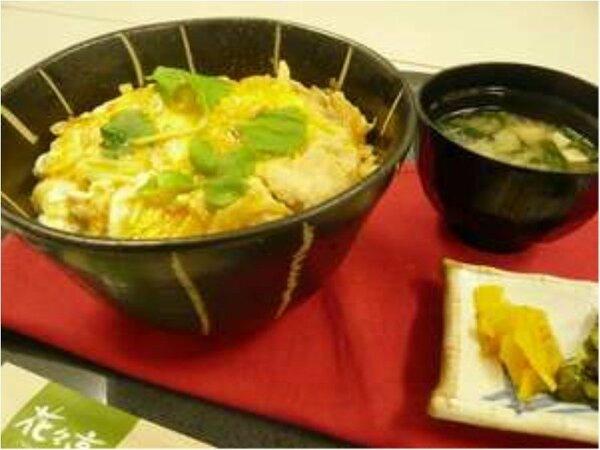 【本場の味】比内地鶏親子丼プラン~プリッとしたお肉とふわっふわ卵、当ホテル人気No.1メニューです♪