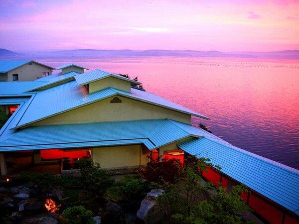 夕景の美しい和倉温泉の隠れ宿