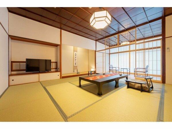 【天誠】和室10畳:純和風な木の風合いと上質な設えが自慢の落ち着きあるお部屋。