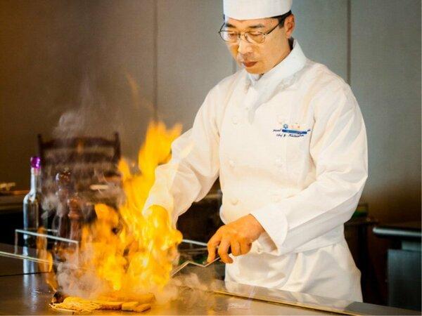 鉄板焼「華山」(ランチ・ディナーにご利用ください。)
