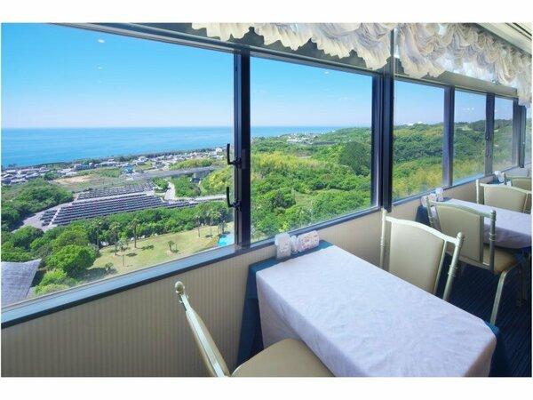 【朝食会場イメージ】眼下に広がる太平洋と芸西村ののどかな風景を見ながらのバイキング朝食はいかが?
