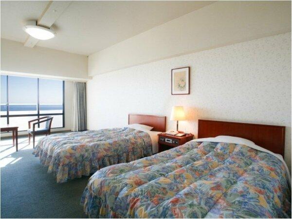 【客室イメージ】洋室は全室36平米と広々♪ごゆっくりご就寝下さい。(3名様以上はソファベット)