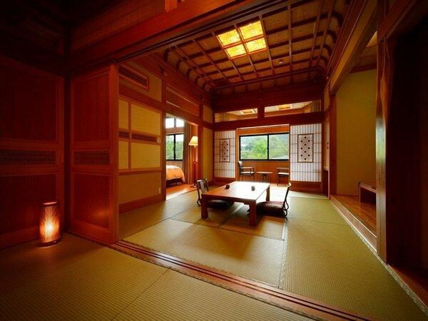 三間:当館自慢の特別室。和室二間(十畳と六畳)とベッドルームの三間で、広々とお使いいただけます。