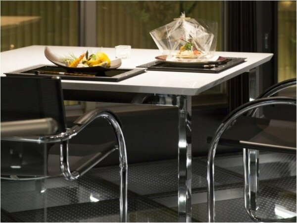 会食場「梵」KARMA個の空間を重視した落ち着いた雰囲気の中でお料理をお楽しみ下さいませ。