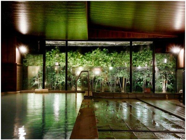 大浴場も源泉かけ流し☆美肌効果が評判の泉質は内湯でもお楽しみいただけます。