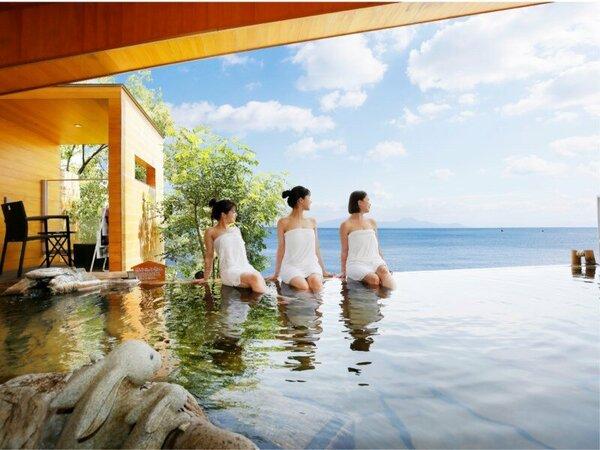 大海原を望む絶景の大浴場