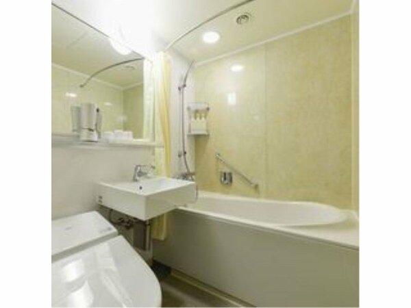 半身浴も可能なオーバルタイプのバスタブを採用し、くつろぎの空間となっています。