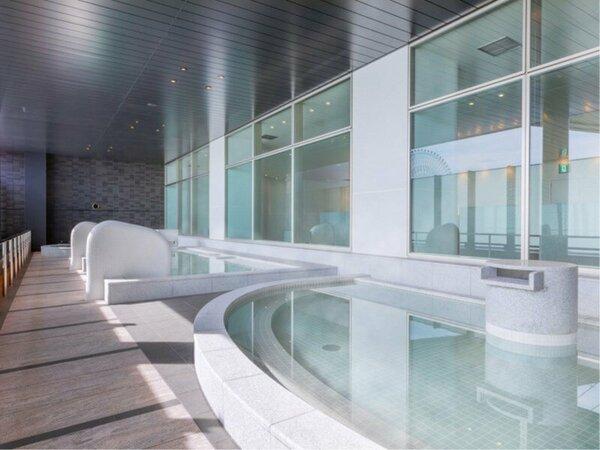 天然温泉スパ   【THE RIVERSIDE SPA】・露天風呂 男女それぞれ大きな露天風呂完備!