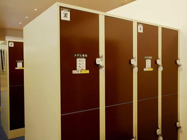 チェックアウト後は、3階にあるこちらの無料コインロッカーにお荷物をお預けいただけます。
