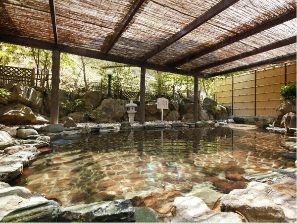露天岩風呂 一例