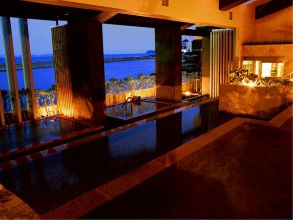 【淡路棚田の湯】淡路島の稲作に見られる棚田をモチーフにしたオープンエアの開放的な湯殿