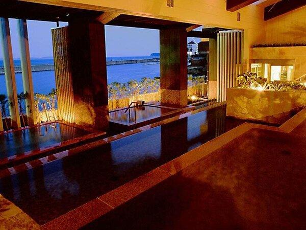 淡路島の稲作に見られる「棚田」をモチーフにした開放感溢れる大浴場<淡路 棚田の湯>