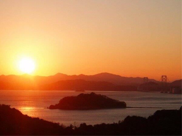 露天風呂「潮騒の湯」 鳴門海峡の夕景