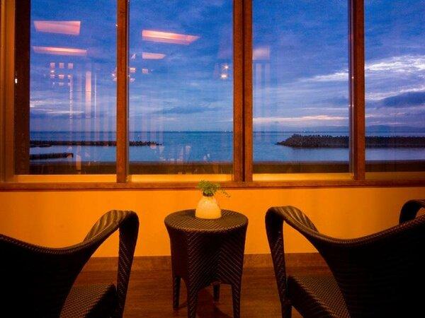 海辺のホテルで2人だけの特別な休日♪・・・癒しのひと時をごゆっくりとお過ごし下さい♪♪