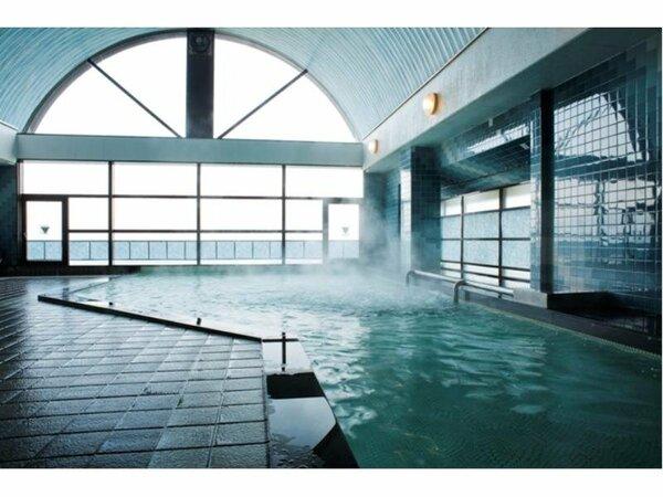 大浴場はゆったり広々とオーシャンビューを眺めながらご利用いただけます。