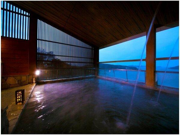 ■露天風呂から鳥羽湾を一望でき、潮の香りをほのかに感じる