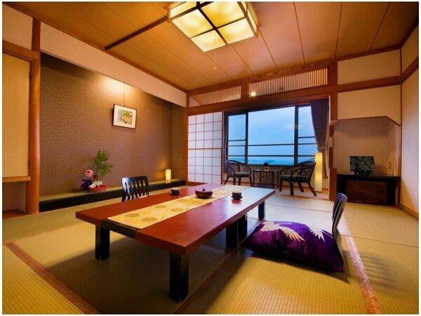 【海側スタンダード-和室12帖-】窓から鳥羽湾を一望し、ゆったりとした時間を過ごせます