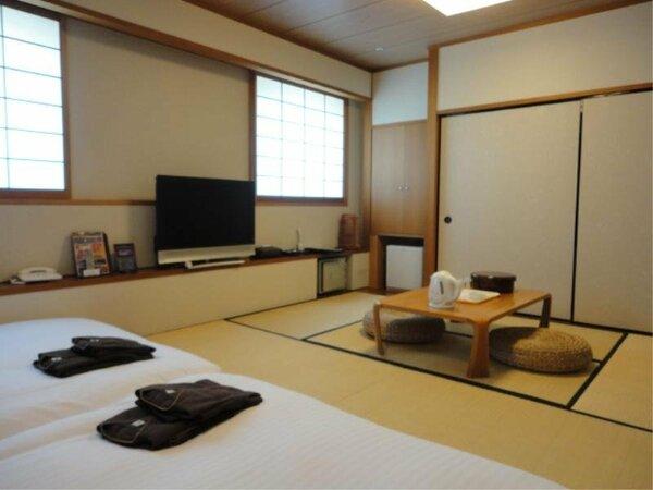 【和洋室】広さ36平米 4名様までご利用いただけます。ご家族でごゆっくりおくつろぎください。
