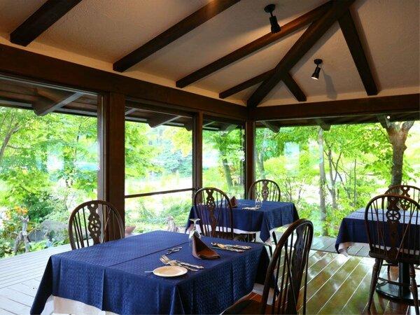 *【レストランNest】八ケ岳の新鮮野菜やハーブを使った彩り豊かなお料理をご用意しております。