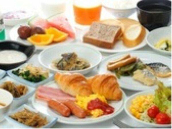 無料の朝食バイキングは栄養満点の献立です。