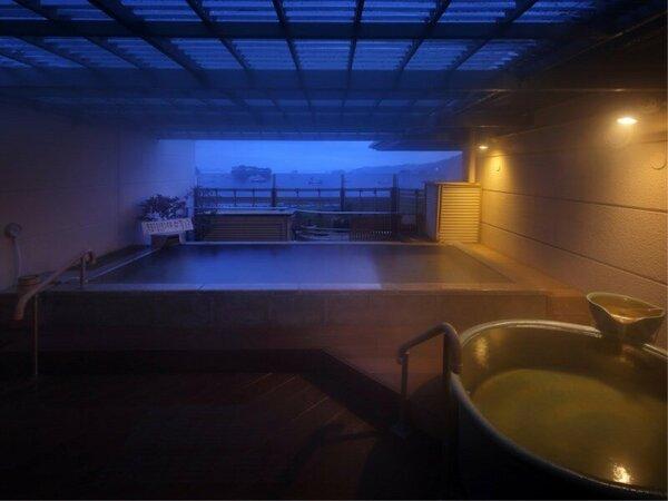 露店風呂(女性側) 夜景