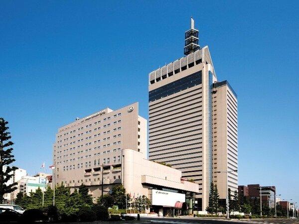 手前が仙台国際ホテル。奥がSS30仙台のランドマークです。