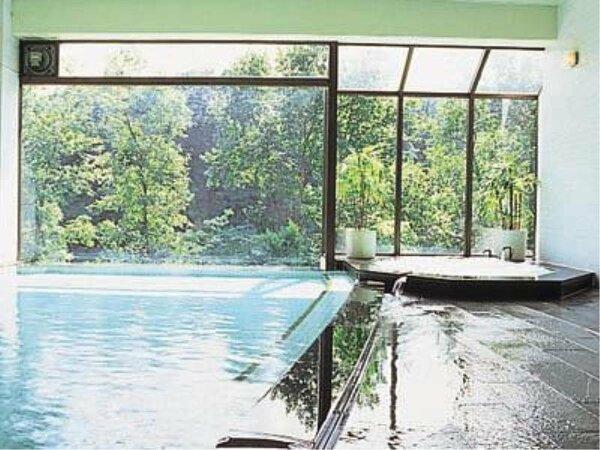 温泉大浴場「春秋の湯」泉質:ナトリウム・カルシウム塩化物泉/低張性弱アルカリ性高温泉