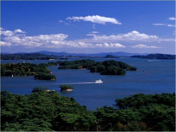 当館の自慢はなんといってもこの眺望!日本三景・松島が館内の至る所からご覧いただけます。