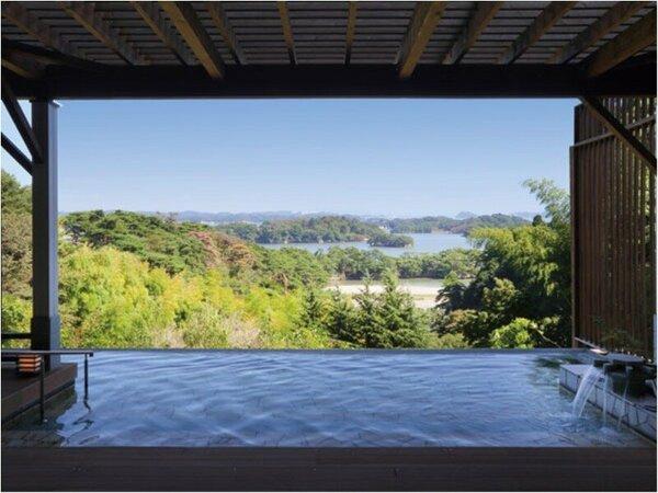展望露天風呂は、自然に溶け込むように大きくせり出した湯船から、松島湾の眺望をお楽しみいただけます。