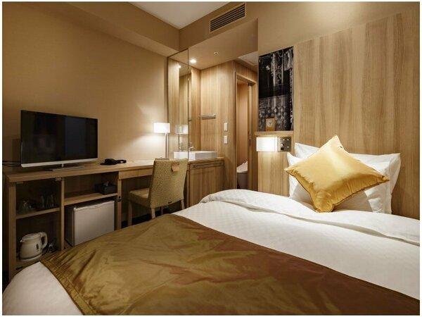 シャワードシングルルームは12.5平米のお部屋となっております。