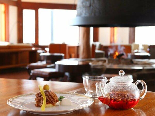 Lobby Lounge Azalea ''アゼリア''