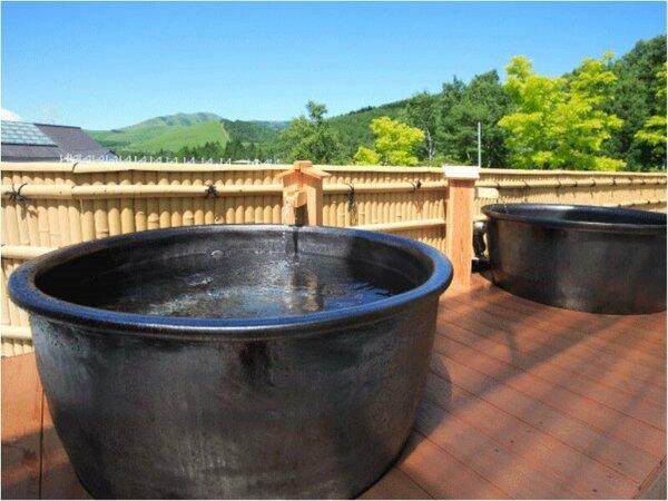 2015年温泉露天風呂をリニューアル。陶器風呂が新登場