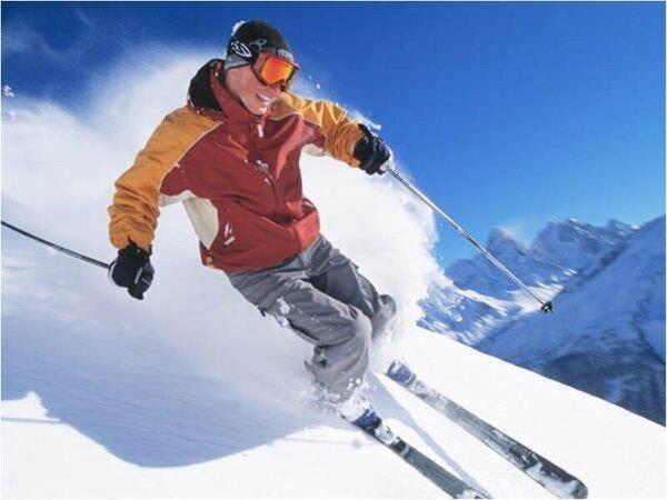 晴天率80%の白樺スノーエリアで爽快スキー♪