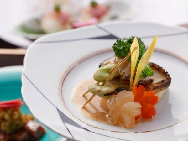 【春のプラチナ料理一品】鮑のバター焼き(春野菜添え)