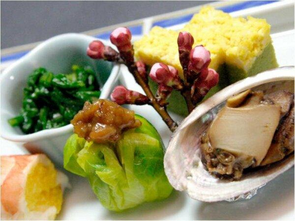 ★四季のお花を摘むように1品1品を創作をし彩りも味もおもてなしの旬の料理長が厳選食材の海幸・山幸のお