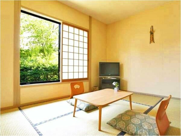 ◆6畳和室◆カップルやご夫婦でのご利用に♪小グループなら3名までご宿泊可能。