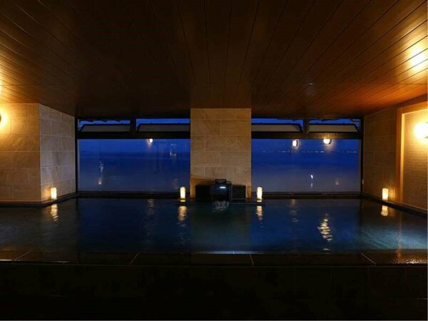 室内大浴場【夜】