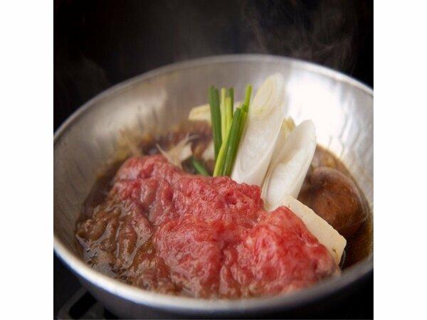 【料理イメージ】豊後牛のすき焼き…甘辛く味付けされた豊後牛は、とろける味わい