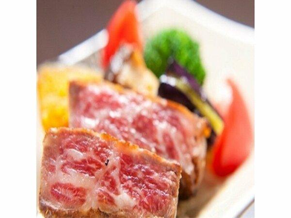【料理イメージ】豊後牛ステーキ…噛めば噛むほど肉の旨味が口いっぱいに広がる