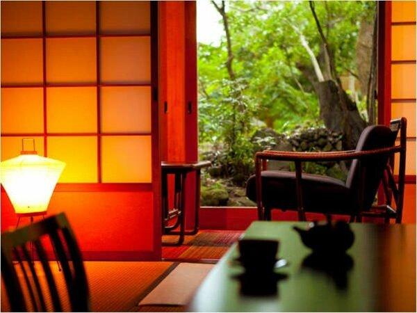 【もみじ】高級感のある和室にてゆっくりとした時間をお寛ぎいただけます